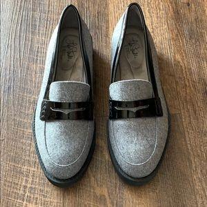 NWOT  Life Stride Flex  gray/ black  size 71/2
